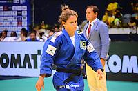 RIO DE JANEIRO, RJ,01 DE SETEMBRO DE 2013 -CAMPEONATO MUNDIAL DE JUDÔ RIO 2013- A  brasileira Katherine Campos (de azul) lutou com a japonesa K.Abe na categoria equipes do Mundial de Judô Rio 2013, no Maracanazinho de 26 de agosto a 01 de setembro, zona norte do Rio de Janeiro.FOTO:MARCELO FONSECA/BRAZIL PHOTO PRESS