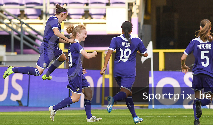 20190807 - ANDERLECHT, BELGIUM : Anderlecht's players pictured celebrating the 2-0 lead with a goal from Charlotte Tison during the female soccer game between the Belgian RSCA Ladies – Royal Sporting Club Anderlecht Dames  and the Greek FC PAOK Thessaloniki ladies , the first game for both teams in the Uefa Womens Champions League Qualifying round in group 8 , Wednesday 7 th August 2019 at the Lotto Park Stadium in Anderlecht  , Belgium  .  PHOTO SPORTPIX.BE | DAVID CATRY