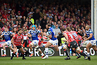 Jamie Roberts of Bath Rugby goes on the attack. Gallagher Premiership match, between Gloucester Rugby and Bath Rugby on April 13, 2019 at Kingsholm Stadium in Gloucester, England. Photo by: Patrick Khachfe / Onside Images