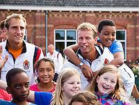 13-09-12, Netherlands, Amsterdam, Tennis, Daviscup Netherlands-Swiss, Draw   Streettennis, Jan Siemerink en Thiemo de Bakker(L)