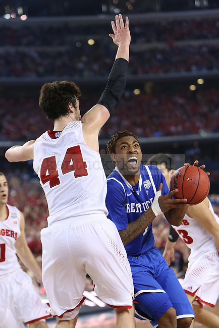 Kentucky Wildcats guard/forward James Young (1) drives to the basket during the NCAA Final Four vs. Wisconsin at the AT&T in Arlington, Tx., on Saturday, April 5, 2014. Photo by Emily Wuetcher | Staff