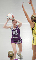 04 MAY 2007 - LOUGHBOROUGH, UK - Olivia Murphy - Loughborough Lightning (Purple) v Northern Thunder (Yellow). (PHOTO (C) NIGEL FARROW)