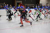 SCHAATSEN: LEEUWARDEN: 30-09-2015, Elfstedenhal, 1e competitiewedstrijd Mass Start, Heather Richardson-Bergsma (#2), ©foto Martin de Jong
