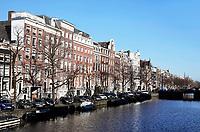 Nederland Amsterdam 2018.  Huizen aan een gracht.   Foto Berlinda van Dam / Hollandse Hoogte
