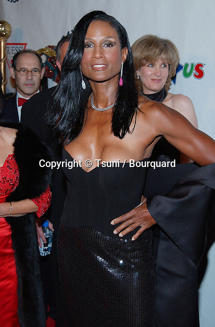 Beverly Johnson arriving at the Carousel of Hope which support the Barbara Davis Center for Childhood Diabetesat the Beverly Hilton in Los Angeles. October 15, 2002.            -            JohnsonBeverly113.jpg