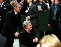 La Lieutenant-Gouverneure du Quebec, Lise Thibault<br />  aux funerailles de Pierre Trudeau le 10 Octobre 2000, a la Basilique Notre-Dame<br /> <br /> <br /> PHOTO :  Agence Quebec Presse