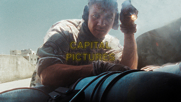 JEREMY RENNER .in The Hurt Locker.*Filmstill - Editorial Use Only*.CAP/FB.Supplied by Capital Pictures.