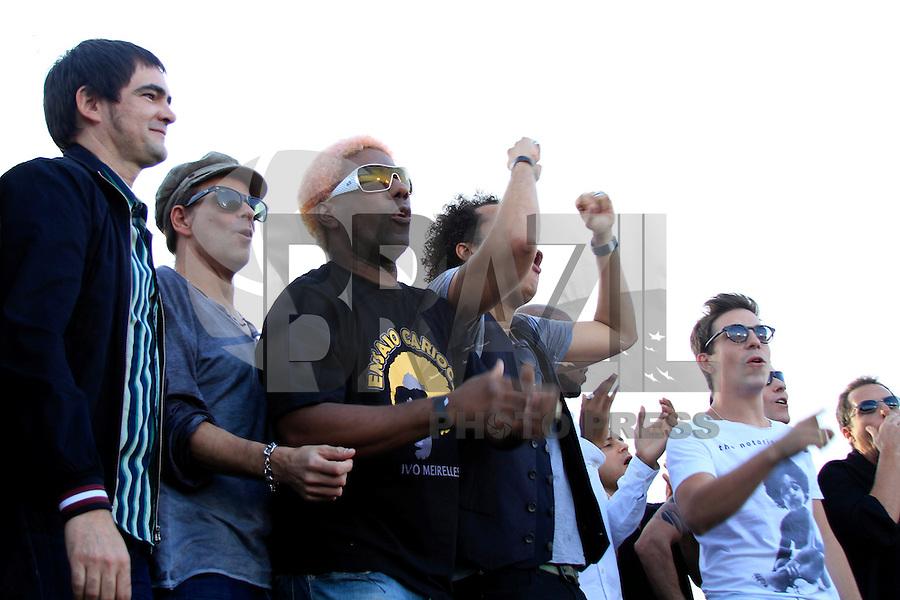 RIO DE JANEIRO, RJ 16 OUTUBRO 2012 - COLETIVA DE IMPRENSA ROCK IN RIO 2012 -O carnavalesco Ivo Meirelles durante coletiva de imprensa do Rock In Rio 2013 no Cristo Rendentor no Rio de Janeiro, nesta terca-feira, 16. A edição 2013 do Rock In Rio será realizada entre os dias 13 e 22 de setembro, assim como em 2011, no Parque dos Atletas, na Barra da Tijuca. A expectativa é que 595 mil pessoas estejam presentes no próximo festival durante todos os dias de festa. Em 2013, o evento terá capacidade máxima de 85 mil pessoas por dia. (FOTO: ISABELA CATAO  / BRAZIL PHOTO PRESS).