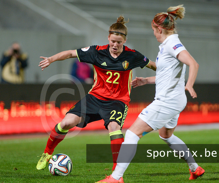 20160412 - LEUVEN ,  BELGIUM : Belgian Laura Deloose (22) pictured during the female soccer game between the Belgian Red Flames and Estonia , the fifth game in the qualification for the European Championship in The Netherlands 2017  , Tuesday 12 th April 2016 at Stadion Den Dreef  in Leuven , Belgium. PHOTO SPORTPIX.BE / DAVID CATRY