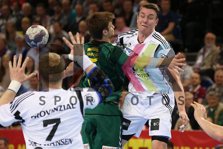 Kiel, 20.05.15, Sport, Handball, DKB Handball Bundesliga, Saison 2014/2015, THW Kiel - GWD Minden : Pass von Filip Jicha (THW Kiel, #39) an den Kreis zu Rene Toft Hansen (THW Kiel, #07)<br /> <br /> Foto &copy; P-I-X.org *** Foto ist honorarpflichtig! *** Auf Anfrage in hoeherer Qualitaet/Aufloesung. Belegexemplar erbeten. Veroeffentlichung ausschliesslich fuer journalistisch-publizistische Zwecke. For editorial use only.