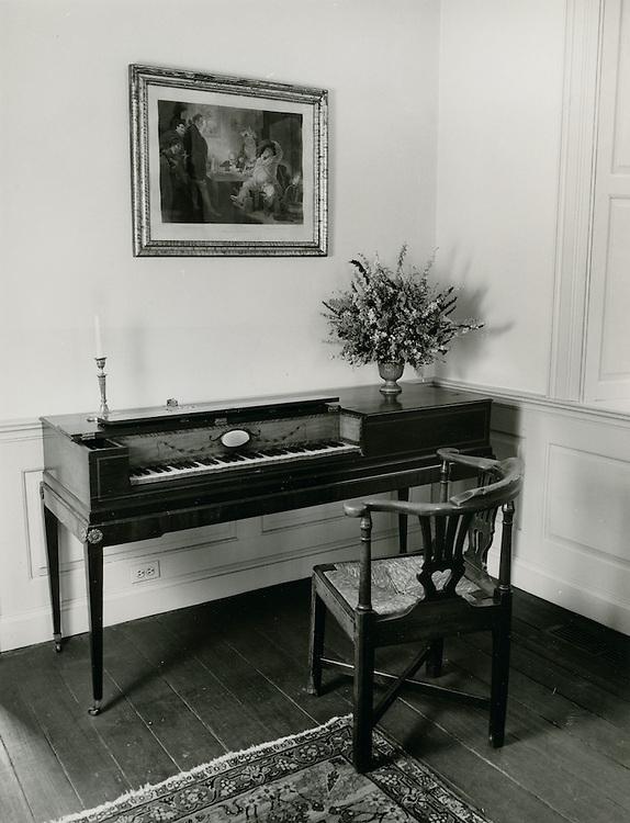 1971  May  21..Historical         ..WILLOUGHBY-BAYLOR HOUSE INTERIOR..Millard Arnold.NEG# MDA71-78-6..