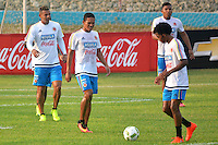 BARRANQUILLA - COLOMBIA -29-08-2016: Jugadores de la Selección Colombia durante entrenamiento en la cancha de la Universidad Autónoma de Barranquilla. Colombia prepara para el próximo partido partido contra Venezuela por la calificificacion a la Copa Mundo FIFA 2018 Rusia. / Payers of Colombian team during training session ata Universidad Autonoma field in Barranquilla city. Photo: VizzorImage / Alfonso Cervantes / Cont