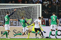 Tor von Mario Götze (Deutschland Germany) wird wegen Abseits nicht gegeben - 11.10.2016: Deutschland vs. Nordirland, HDI Arena Hannover, WM-Qualifikation Spiel 3