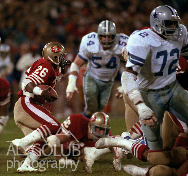 San Francisco 49ers vs. Dallas Cowboys at Candlestick Park Monday, December 19, 1983..49ers beat theCowboys  42-17.San Francisco Running Back Wendell Tyler (26)...