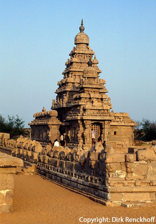Strandtempel 7. Jh.  in Mahabalipuram (Tamil Nadu), Indien,  Unesco-Weltkulturerbe