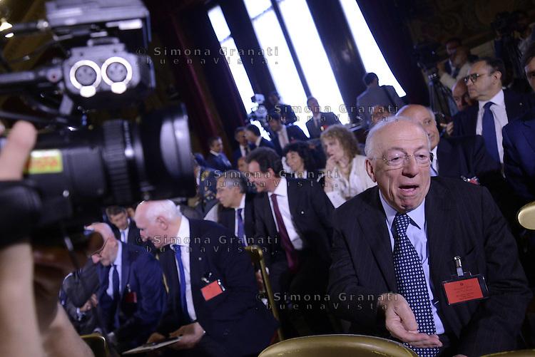 Roma, 7 Luglio 2015<br /> Camera dei Deputati<br />  Fedele Confalonieri<br /> Relazione annuale dell'AGCOM<br /> Autorit&agrave; per le garanzie nelle telecomunicazioni.