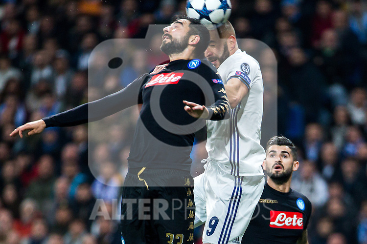 Raul Albiol of SSC Napoli competes for the ball with Karim Benzema of Real Madrid during the match of Champions League between Real Madrid and SSC Napoli  at Santiago Bernabeu Stadium in Madrid, Spain. February 15, 2017. (ALTERPHOTOS)