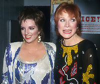 Liza Minnelli Shirley Maclaine 1986<br /> Photo By John Barrett/PHOTOlink