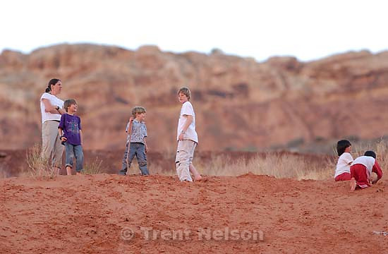 todd rimmasch, noah nelson, nathaniel nelson at the community pit sand hill outside of Moab; 3/20/04<br />