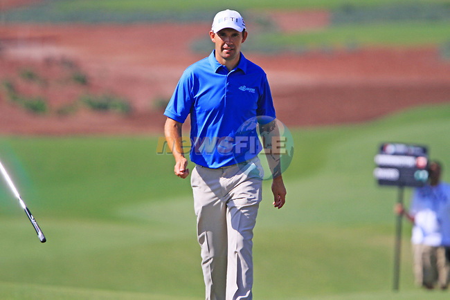 Padraig Harrington walks up to the 5th green during Day 1 of the Dubai World Championship, Earth Course, Jumeirah Golf Estates, Dubai, 25th November 2010..(Picture Eoin Clarke/www.golffile.ie)