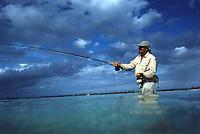 """Iles Bahamas /Ile de Long Island: initiation à la péche au bonefish à la mouche en mer au Lodge de péche """"Chez Pierre"""" // Bahamas Islands / Long Island: introduction to sea-bonefish fishing at the """"Chez Pierre"""" fishing lodge"""