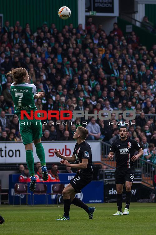 09.04.2016, Weser Stadion, Bremen, GER, 1.FBL, SV Werder Bremen vs FC Augsburg, im Bild Ra&uacute;l Bobadilla (FC. Augsburg #25) Alfred Finnbogasin (FC. Augsburg #27) Jannik Vestergaard (Werder Bremen #7) Kopfball<br /> <br /> <br /> <br /> Foto &copy; nordphoto / Woratschka