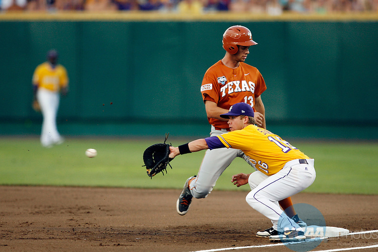 23 JUNE 2009:  Ryan Schimpf (16) of Louisiana State University catches the ball on a pick off attempt against Brandon Belt (13) of the University of Texas during the Division I Men's Baseball Championship held at Rosenblatt Stadium in Omaha, NE.  Texas defeated LSU 5-1 in game two to force a third game.  Jamie Schwaberow/NCAA Photos