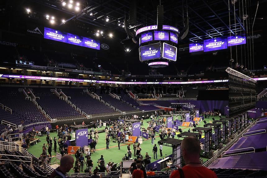 Aufbau für den Media Day im vollen Gang - Super Bowl XLIX Media Day, US Airways Center, Phoenix