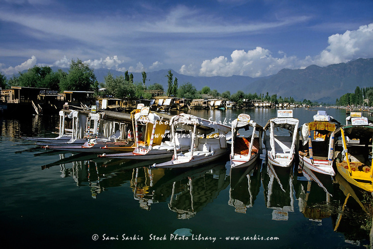 Rows of shikaras (tourist boats) on Dal Lake, Srinager, Kashmir, India.