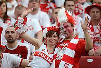FUSSBALL  EUROPAMEISTERSCHAFT 2012   VORRUNDE Polen - Griechenland      08.06.2012 Polnische Fans