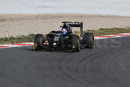 22.02.2016. Circuit de Catalunya, Barcelona, Spain. Spring F1 testing and new car unvieling for 2016-17 season.  Renault Sport F1 Team RS16 - Jolyon Palmer