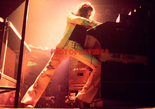 Deep Purple 1976 Jon Lord.© Chris Walter.