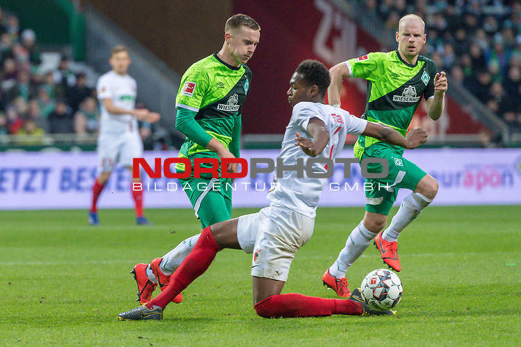 10.02.2019, Weser Stadion, Bremen, GER, 1.FBL, Werder Bremen vs FC Augsburg, <br /> <br /> DFL REGULATIONS PROHIBIT ANY USE OF PHOTOGRAPHS AS IMAGE SEQUENCES AND/OR QUASI-VIDEO.<br /> <br />  im Bild<br /> <br /> ReeceOxford (FC Augsburg #05)<br /> Johannes Eggestein (Werder Bremen #24)<br /> <br /> Foto © nordphoto / Kokenge