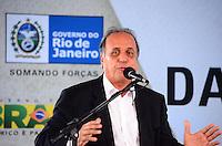 RIO DE JANEIRO, RJ, 14 DE JUNHO DE 2013 -PRESIDENTA DILMA NA ROCINHA-RJ- O vice-governador Pezão na cerimônia de anúncio de investimentos em infraestrutura urbana e equipamentos sociais nas comunidades da Rocinha e nos complexos do Lins e do Jacarezinho, no Complexo Esportivo da Rocinha , zona sul do Rio de Janeiro/RJ do Rio de Janeiro.FOTO:MARCELO FONSECA/BRAZIL PHOTO PRESS