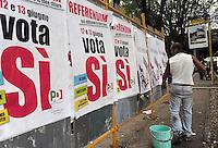 Roma 8 Giugno 2011.Referendum su Acqua, nucleare e legittimo impedimento..Ultimi giorni per la campagna referendaria.manifesti per il Si
