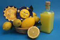 Cibi e bevande. Food and beverages. Limoncello.Liquore a base di limone.  Liqueur-based lemon....