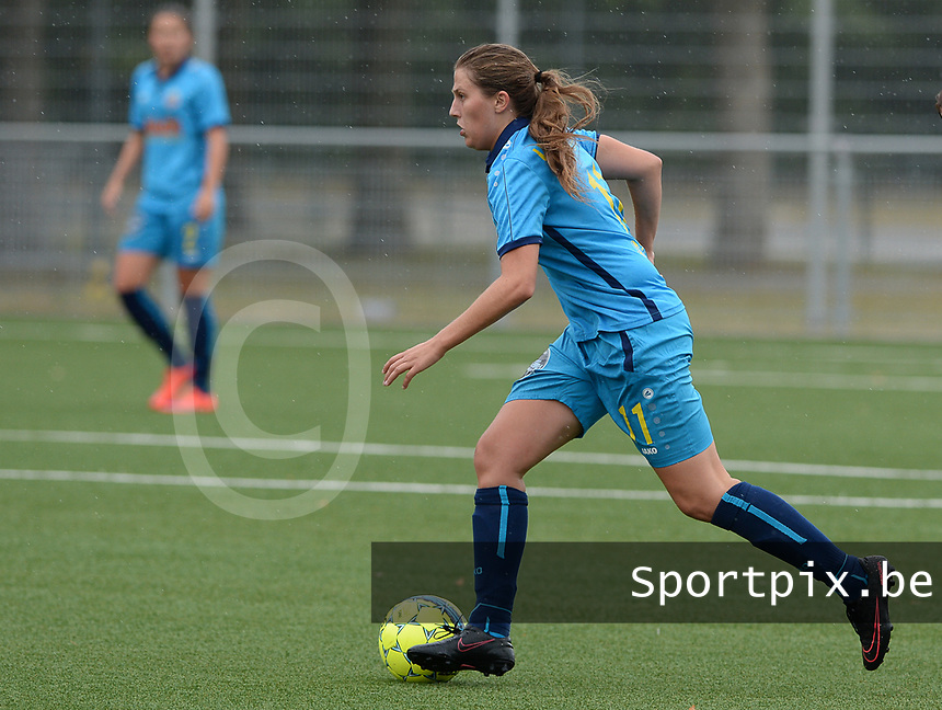 20180729 - NIEUWPOORT , BELGIUM : Merkem's Cleo Mus pictured during a friendly pre season soccer match between the women teams of Westhoek Famkes Merkem Diksmuide and KRC Ladies Genk  , Sunday 29 July 2018 . PHOTO DAVID CATRY | SPORTPIX.BE
