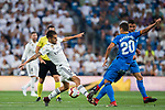 Daniel Ceballos Fernandez, Dani Ceballos (L), of Real Madrid fights for the ball with Nemanja Maksimovic of Getafe CF during the La Liga 2018-19 match between Real Madrid and Getafe CF at Estadio Santiago Bernabeu on August 19 2018 in Madrid, Spain. Photo by Diego Souto / Power Sport Images