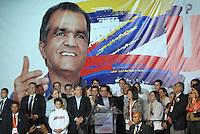BOGOTA – COLOMBIA - 25-05-2014: Oscar Iván Zuluaga candidato a la presidencia por el grupo político Centro Democrático da un discurso después de conocer el resultado de las Elecciones Presidente de Colombia  en la ciudad de Bogotá. Oscar Ivan Zuluga y el Presidente Candidat Juan Manuel Santos disputaran una segunda vuelta el 15 de junio luego de que ninguno reclamó una mayoría en las elecciones presidenciales del domingo.  / Oscar Ivan Zuluaga presidential candidate by the political group Democratic Centre gives a speechafter knowing the results of elections in the President of Colombia in Bogotá. Oscar Ivan Zuluaga and Candidat President Juan Manuel Santos disputed a second round on June 15 after neither claimed a majority in presidential elections on Sunday. Photo: VizzorImage / Luis Ramirez / Staff