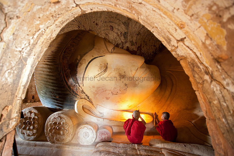 Young buddhist monks at Bagan historical site.