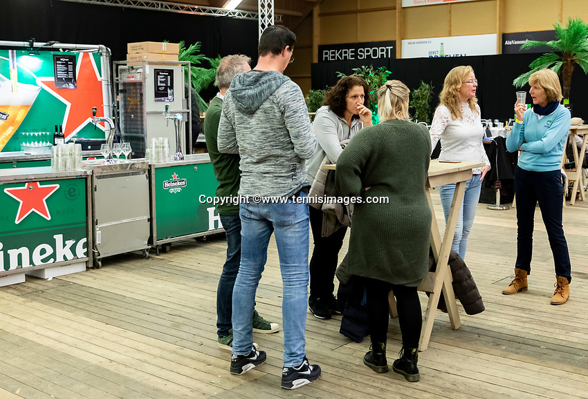 Alphen aan den Rijn, Netherlands, December 16, 2018, Tennispark Nieuwe Sloot, Ned. Loterij NK Tennis, Foodcourt<br /> Photo: Tennisimages/Henk Koster