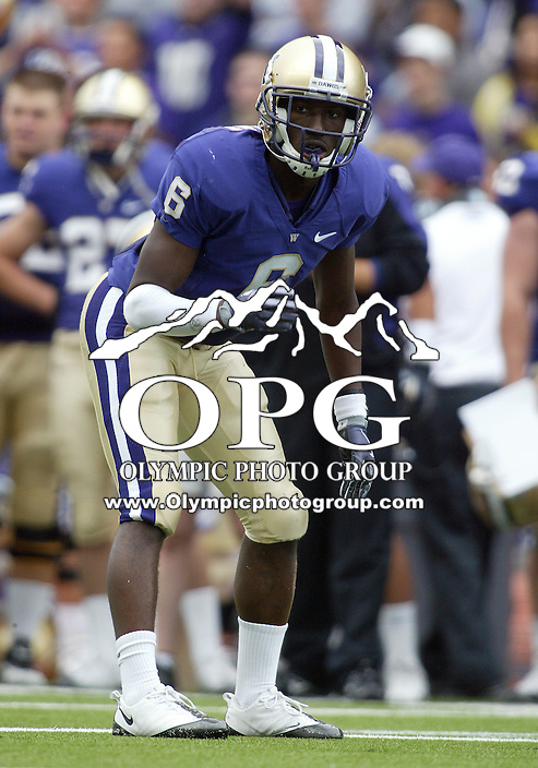 Sep 19, 2009:  Washington corner back #6 Desmond Trufant sets up on the line of scrimmage against USC.  Washington defeated the USC 16-13 at Husky Stadium in Seattle, Washington..