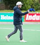 HUIZEN  -  coach Julian Steen (Gro)   , hoofdklasse competitiewedstrijd hockey dames, Huizen-Groningen (1-1)   COPYRIGHT  KOEN SUYK
