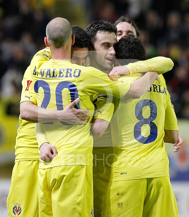 Villareal's Borja Valero, Mario Gaspar Perez, Giuseppe Rossi, Santi Cazorla and Gonzalo Rodriguez celebrate goal during UEFA Europa League match.March 17,2011. (ALTERPHOTOS/Acero)