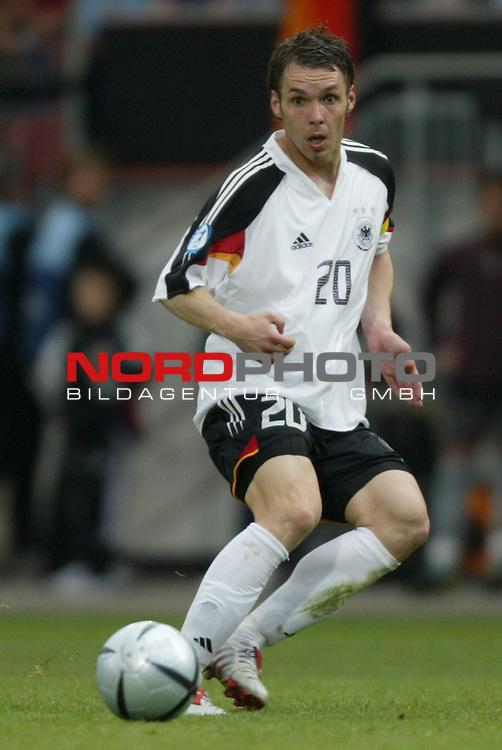 U21 - EM 2004 - Gruppe B<br /> Deutschland vs. Portugal 1:2<br /> Christian Tiffert von Deutschland.<br /> Foto &copy; nordphoto - Ruediger Lampe<br /> <br />  *** Local Caption *** Foto ist honorarpflichtig! zzgl. gesetzl. MwSt.<br />  Belegexemplar erforderlich<br /> Adresse: nordphoto<br /> Georg-Reinke-Strasse 1<br /> 49377 Vechta
