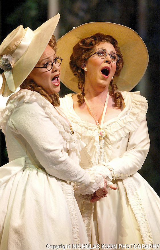 2004 - COSI FAN TUTTE - (l ro R) Sisters Fiordiligi (Pamela Armstrong) and Dorabella (Kristine Jepson) sing about their lovers Guglielmo and Ferrando in Opera Pacific's production of Cosi fan tutte.