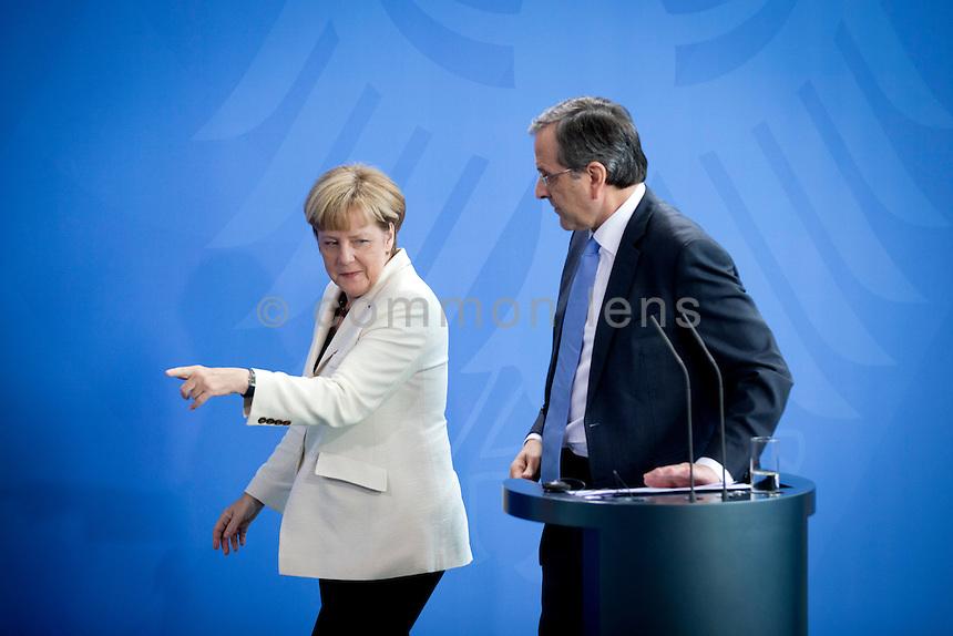 Der griechischen Ministerpr&auml;sident Andonis Samaras und Bundeskanzlerin Angela Merkel (CDU) geben am Dienstag (23.09.14) in Berlin im Bundeskanzleramt eine Pressekonferenz.<br /> Foto: Axel Schmidt/CommonLens