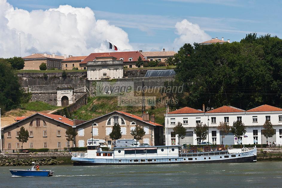Europe/France/Aquitaine/64/Pyrénées-Atlantiques/Pays-Basque/Bayonne: La Citadelle sur les bords de l'Adour