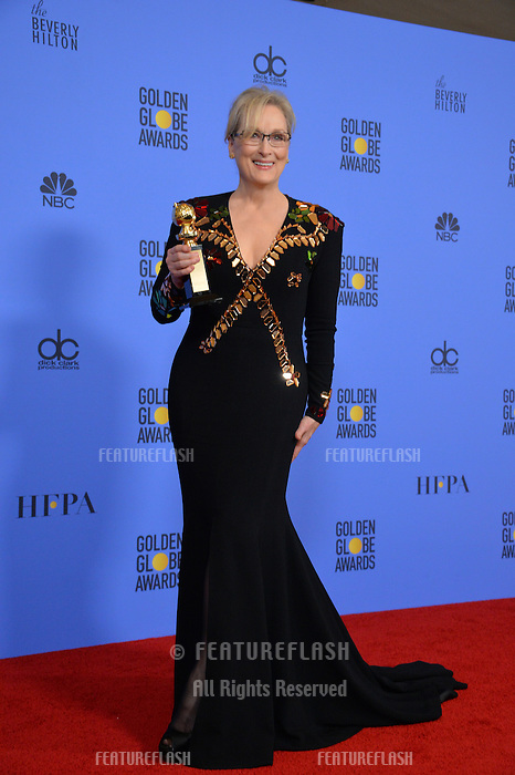 Meryl Streep at the 74th Golden Globe Awards  at The Beverly Hilton Hotel, Los Angeles USA 8th January  2017<br /> Picture: Paul Smith/Featureflash/SilverHub 0208 004 5359 sales@silverhubmedia.com
