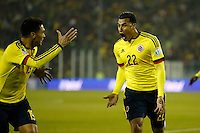 SANTIAGO DE CHILE- CHILE - 17-04-2015: Jeison Murillo (Izq.) jugador de Colombia, celebra anotado a Brasil, durante partido Colombia y Brasil, por la fase de grupos, Grupo C, de la Copa America Chile 2015, en el estadio Monumental en la Ciudad de Santiago de Chile. / Jeison Murillo (L) player of Colombia celebrates a goal scored to Brasil, during a match between Colombia and Brasil for the group phase, Group C, of the Copa America Chile 2015, in the Monumental stadium in Santiago de Chile city. Photos: VizzorImage /  Photosport / Andres Piña / Cont.